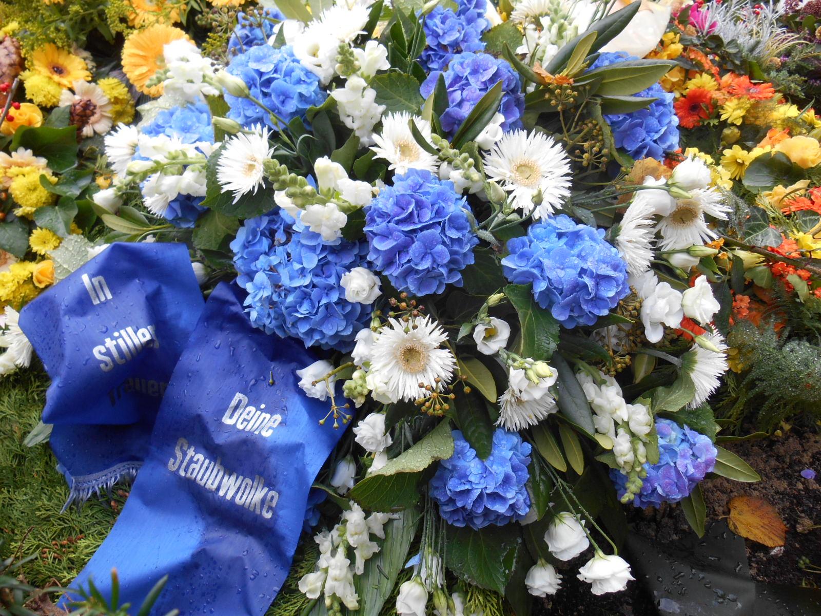 Beerdigungen 2015 und Meisterfeier Staubwolke 044